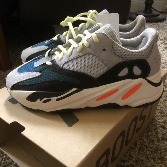 Yeezy Wave Runner 700 Solid Grey NWT NWT